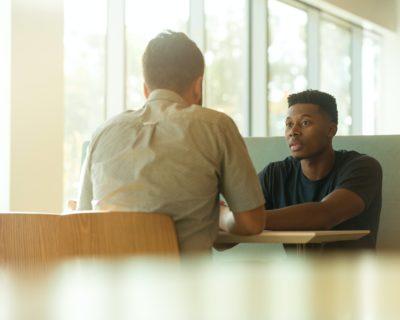 Avec la Garantie Jeunes, obtenez un emploi plus facilement à travers un accompagnement personnalisé